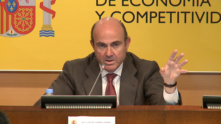 The Government presents the reform of the financial system. Photo (1/3)