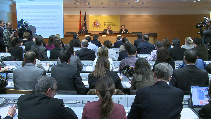The Government presents the reform of the financial system. Photo (3/3)