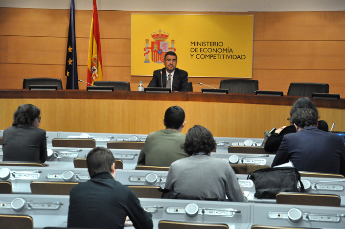 Fernando Jiménez Latorre, S.E. Economy and Business Support, presents the results of the CPI for March 2012. Photo (2/2)